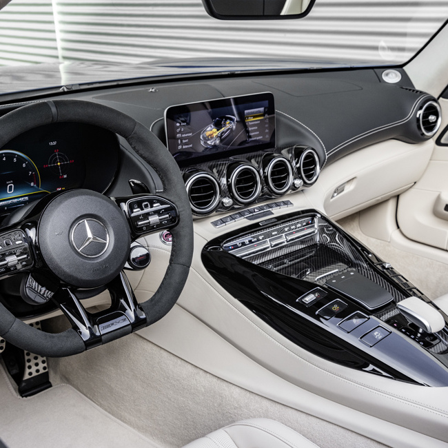Новый Mercedes-Benz AMG GT R Roadster